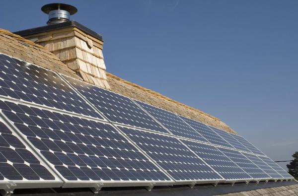 panneaux solaires photovolta ques maisoneco construction maison cologique. Black Bedroom Furniture Sets. Home Design Ideas