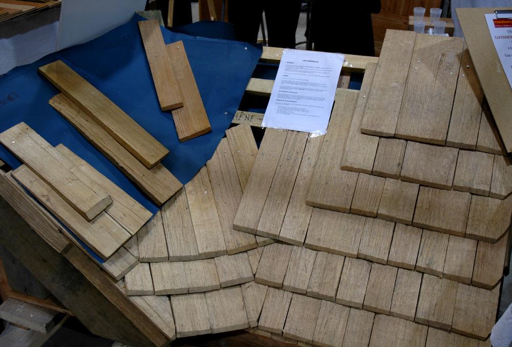 Faire un toit en tuile de bois